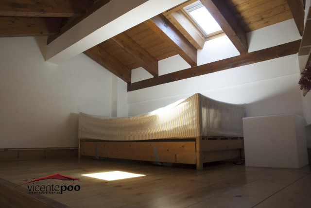 V512 - LOVELY PENTHOUSE IN A MODERNIST BUILDING IN THE CENTER OF COMILLAS